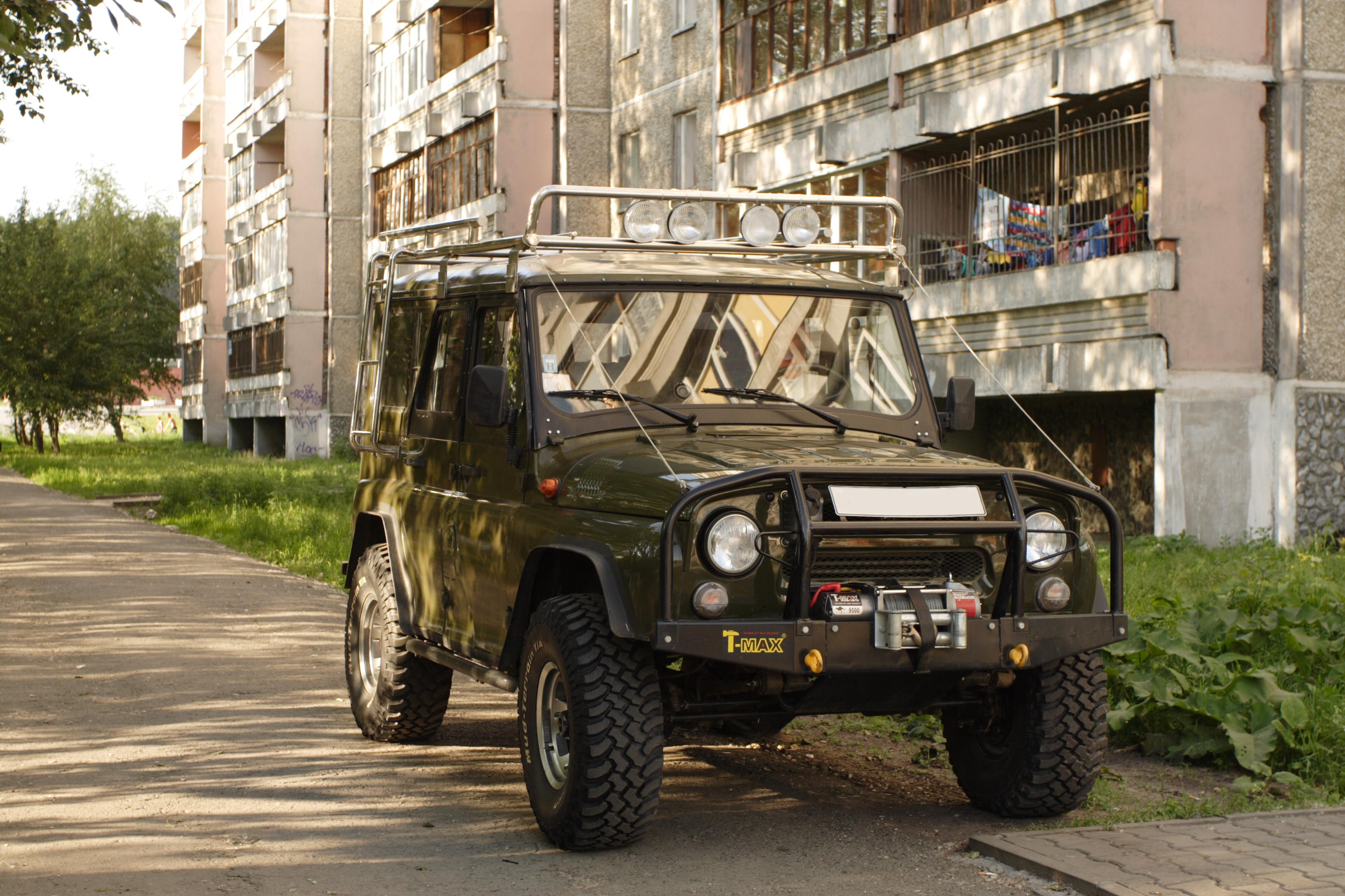 UAZ_Hunter_in_Yekaterinburg