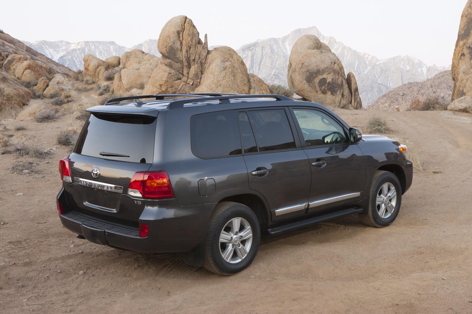 2014-toyota-land-cruiser-us-specs-released_3