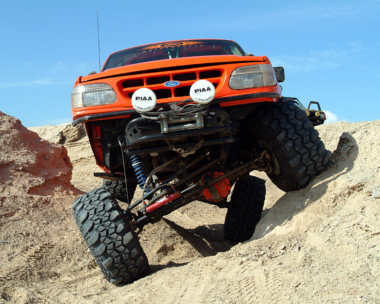 Ford_explorer_offroad