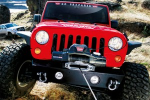 zeon-electric-winch-in-use-jeep
