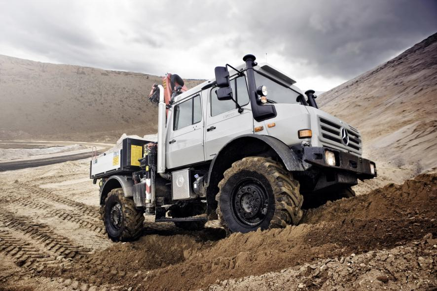 the-unimog-off-road-vehicle-of-the-year-2012-1